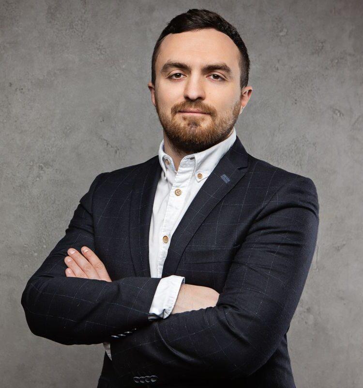 Liubomyr Kuziutkin expatpro
